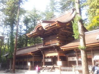 諏訪大社春神宮.jpg